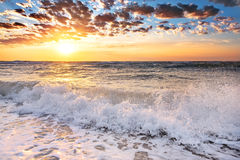 Волны моря с пеной моря Стоковое Изображение