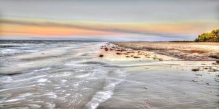 Волны моя внутри на восточный этап, NT, Австралия Стоковые Фото