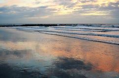 Волны на пляже Стоковая Фотография