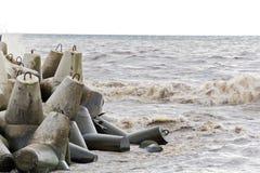 Волны пены моря в ей гадкий день Стоковые Фото