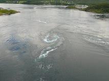 Водоворот Saltstraumen ландшафта Норвегии Стоковое Изображение RF