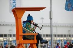 Волонтер на XII Олимпийских Играх Сочи 2014 зимы Стоковые Фотографии RF