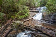 Водопад дамы Barron каскадируя вниз с утесов на Na поля держателя Стоковые Фото