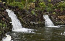 2 водопада и маленького пруд в парке Стоковые Фотографии RF