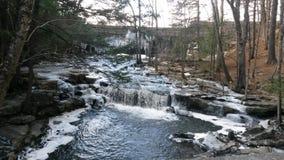 Водопад весеннего времени Стоковые Изображения RF