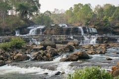 Водопад вида ребенка, Лаос, Азия Стоковое Изображение RF