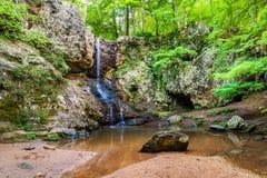 Водопад в горах около Атланты стоковая фотография