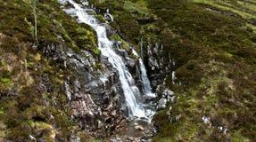 Водопад в гористой местности Стоковое Изображение RF