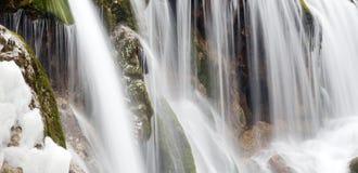 Водопад в зиме стоковое изображение rf