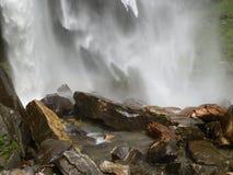 Водопад в Индии, Himachal Pradesh Стоковые Изображения RF