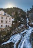 Водопад в курортном городе плохом Gastein лыжи, Австрии, земле Зальцбурге стоковое фото rf