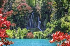 Водопад в озерах Plitvice национального парка Хорватия Стоковое фото RF