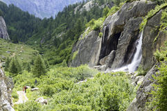 Водопад в долине Formazza Стоковое Изображение