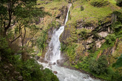 Водопад в ряде Annapurna, Гималаях, Непале Стоковые Изображения RF