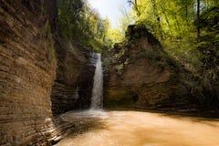 Водопад в скалистых горах Стоковые Изображения RF
