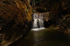 Водопад в темноте Стоковые Изображения RF