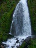 Водопад в ущелье Стоковая Фотография