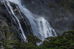 Водопад в Milford Sound Стоковые Фотографии RF