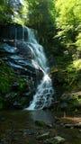 Водопад горы весеннего времени Стоковая Фотография