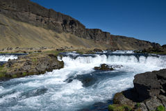 Водопад горы в Исландии Стоковое Изображение