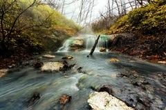 Водопад горячего источника Oyunumagawa, Noboribetsu Стоковые Изображения