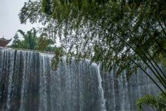 Водопад летания в бамбуковом лесе бамбукового морского района внутри Стоковое Изображение RF