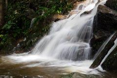 Водопад на деревне Kampong Mae в Чиангмае, Таиланде Стоковая Фотография RF
