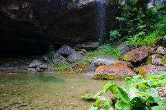 Водопад над утесами Стоковое фото RF