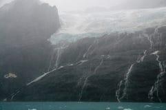 Водопад на фьорде Drygalski, Южной Георгие стоковое фото rf