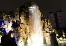 водопад ночи фар автомобиля светлый Стоковые Изображения
