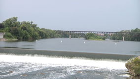 Водопад Североамериканское река Ландшафт видеоматериал