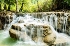 Водопады Kuang Si, Luang Prabang, Лаос Стоковые Фото