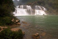 Водопад Datian (добродетельный водопад рая) в Китае Стоковая Фотография RF