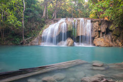 Водопад Erawan на Kanchanaburi, Таиланде Стоковые Фотографии RF