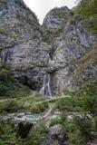 Водопад Gega в горах абхазии стоковое изображение