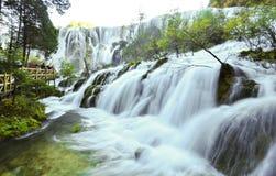 Водопад Jiuzhaigou стоковое фото