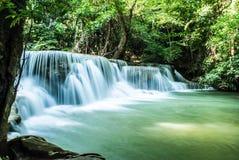 Водопад khamin mae Huay в Таиланде Стоковое Фото