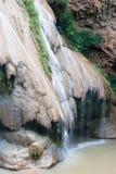 Водопад Ko-Luang на национальном парке Пинга Mae, Таиланде Стоковое Изображение RF