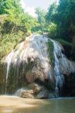 Водопад Ko-Luang на Lamphun, Таиланде Стоковое Фото