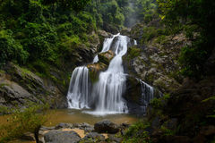 Водопад Krungching в Nakhonsithammarat, Таиланде Стоковое Фото