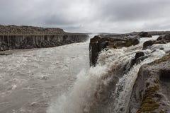 Водопад Selfoss около известного Dettifoss внутри Стоковое Изображение RF