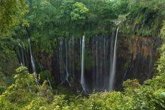 Водопад sewu Coban, Lumajang, Jawa, Индонезия стоковое фото