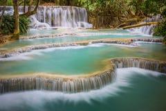 водопад si prabang luang Лаоса kuang Стоковые Фотографии RF