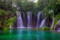Водопад Teal Стоковая Фотография