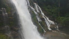 Водопад Wachirathan сток-видео