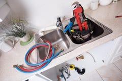 Водопроводный кран и раковина кухни Стоковые Фото
