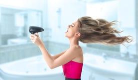 Волосы женщины суша Стоковые Изображения RF