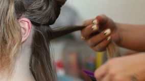 Волосы кератина выправляя дома видеоматериал