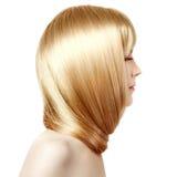 волосы Молодая женщина красоты с роскошными длинными светлыми волосами Wi девушки Стоковое Фото
