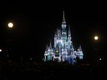 Волшебный замок королевства на рождестве Стоковые Фотографии RF